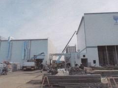 西側より撮影 左手エッセンス棟、右手一般倉庫